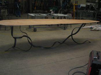 Pied de table en cours